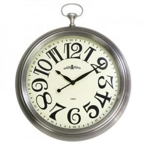 """שעון קיר גדול דמוי שעון כיס כסוף, קוטר 38 ס""""מ"""