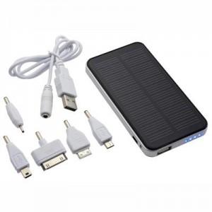 SOLAR POEWR BANK מטען סולארי מקצועי בעיצוב i-Phone עם מתאמים שונים (2700mah)