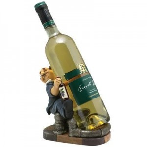 מעמד קומי לבקבוק יין (שיכור מחבק בקבוק)